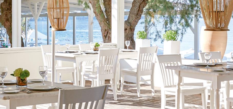 01-plaza-beach-house-dining-restaurant-pool-promenade-in-crete-resort